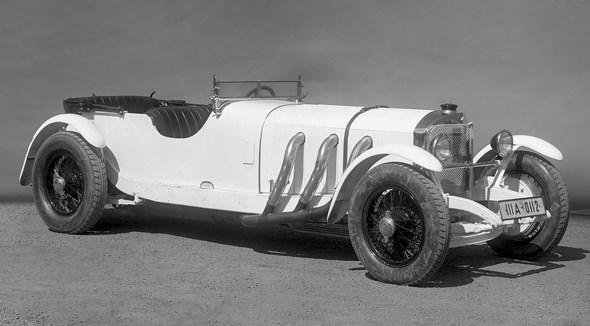Der Mercedes-Benz Typ SS erlebt seine offizielle Premiere beim Großen Preis von Deutschland am 15. Juli 1928 auf dem Nürburgring. Der Übergang auf nasse Zylinderlaufbüchsen ermöglicht eine größere Zylinderbohrung, der Hubraum wird daher von 6,8 Liter auf 7,1 Liter erhöht. Die Leistung steigt auf 140 PS/103 kW, später 160 PS/118 kW, mit Kompressoreinsatz auf 200 PS/147 kW. Das Chassis des Typs S wird beibehalten. Allerdings wirkt der SS bulliger, weil wieder der höhere Kühler des Typs K verwendet wird, der eine höhere Motorhauben-Linie bedingt. Trotz seines gegenüber dem Typ S stärkeren Motors erfüllt der Typ SS im Laufe seiner Produktionszeit eher die Rolle eines GranTourismo im heutigen Sinne. Unterstrichen wird dies auch durch die luxuriösere Karosserieauswahl, die zwei- und viersitzige Cabriolets im Angebot führt. Die letzten Wagen des Typs SS werden 1933 gebaut. In den Preislisten werden sie bis Juli 1935 geführt.