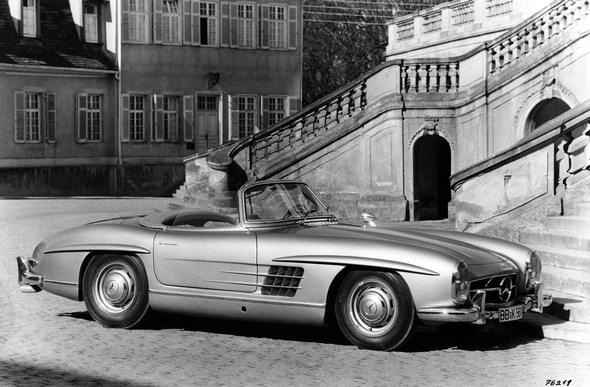 Mercedes-Benz Typ 300 SL, 215 PS, Roadster, Bauzeit: 1957 bis 1963.