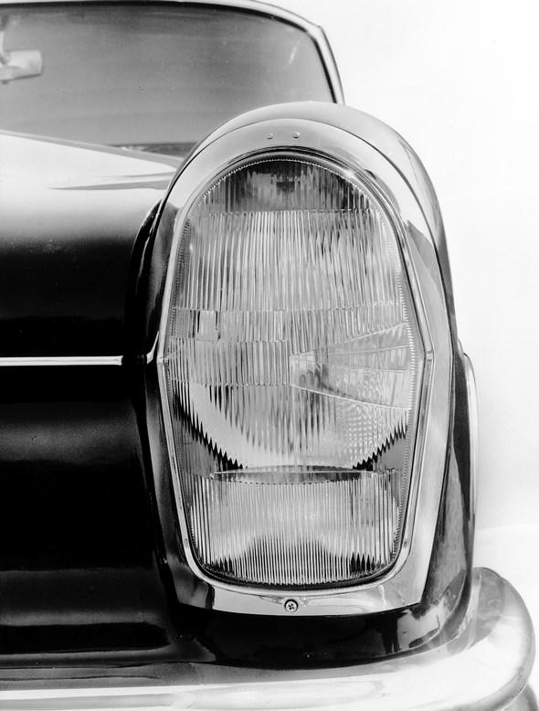 Mercedes-Benz Typen 220 / 220 S / 220 SE, 1959 - 1965. Scheinwerfer, Blinker, Parklicht und Nebellampe als Leuchteinheit.