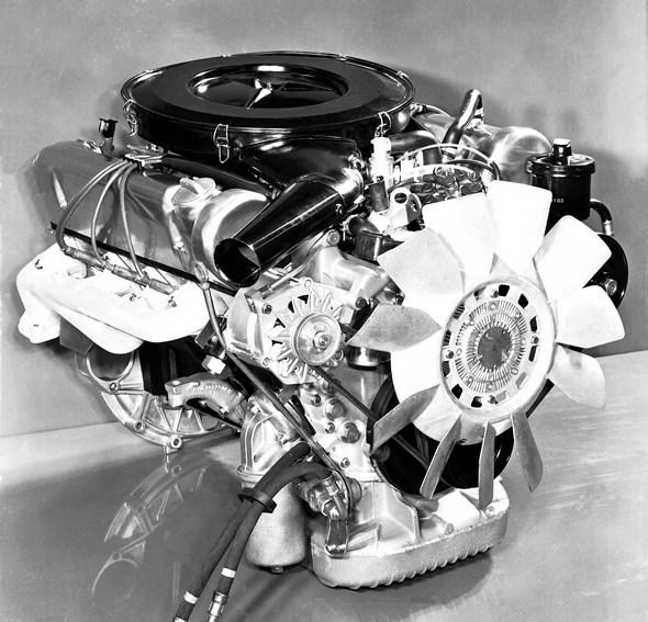 Mercedes-Benz 4,5-Liter-V8-Motor M 117, eingesetzt in den Modellen 450 SE / 450 SEL (1973-1980, Baureihe 116) und 450 SL / 450 SLC (1972-1980, Baureihe 107).