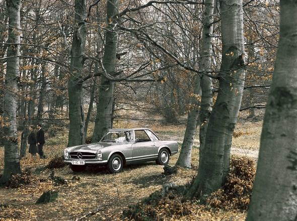Mercedes-Benz Typ 230 SL der Baureihe 113