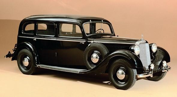 Mercedes-Benz Typ 320 Pullman-Limousine ( ohne Außenkoffer ) aus dem Jahre 1937.
