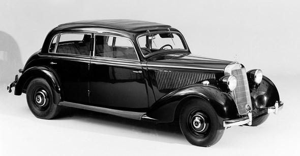 Mercedes-Benz Typ 230 Limousine aus dem Jahre 1938.