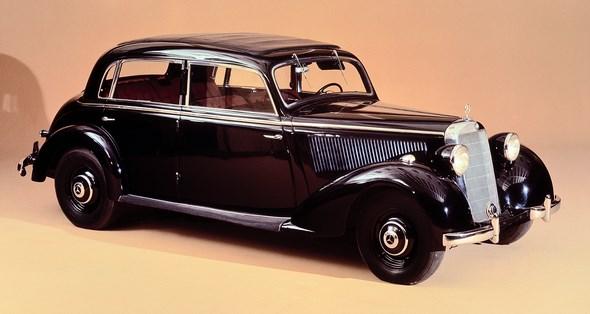 Mercedes-Benz Typ 230 Limousine aus dem Jahr 1938.