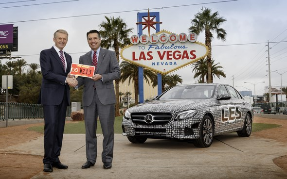 Mercedes-Benz E-Klasse: Autonom über die Highways im Bundesstaat Nevada Mercedes-Benz E-Class: Self-driving across the highways of Nevada