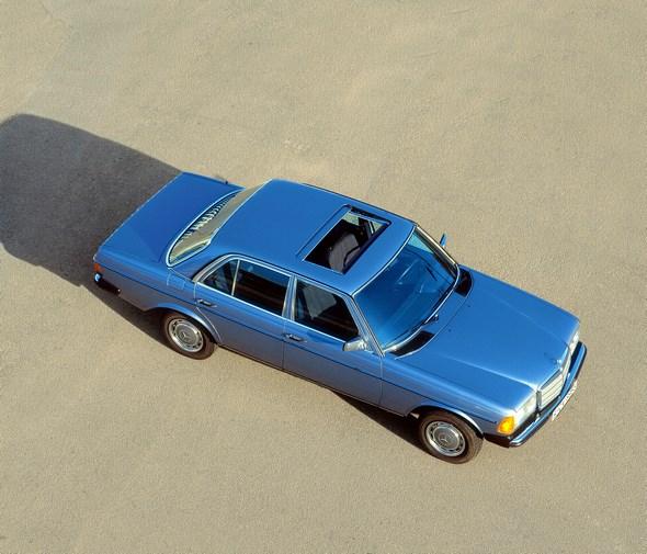 123-02_W123_limousine