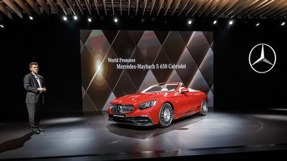 Mercedes-Benz & smart auf der Los Angeles Auto Show 2016: Dietmar Exler, Präsident und CEO von Mercedes-Benz USA, anlässlich der Weltpremiere des neuen Mercedes-Maybach S 650 Cabriolet.