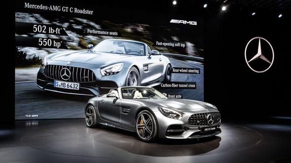 Mercedes-Benz & smart auf der Los Angeles Auto Show 2016:Tobias Moers, Vorsitzender der Geschäftsführung der Mercedes-AMG GmbH, präsentiert den neuen Mercedes-AMG GT C Roadster.